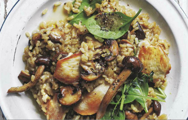 Oven-baked chicken, mushroom, thyme & brown rice risotto