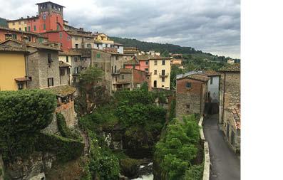 tuscanny-untoucyed-buildings