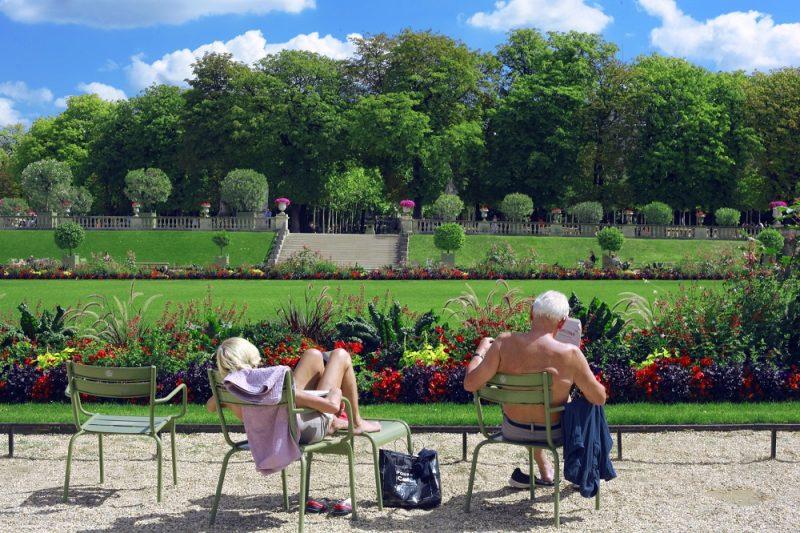 A Spring Gardening Checklist for Summer BBQs